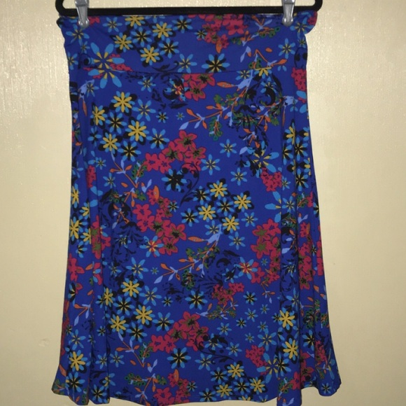 LuLaRoe Dresses & Skirts - LulaRoe Cassie skirt 2xl